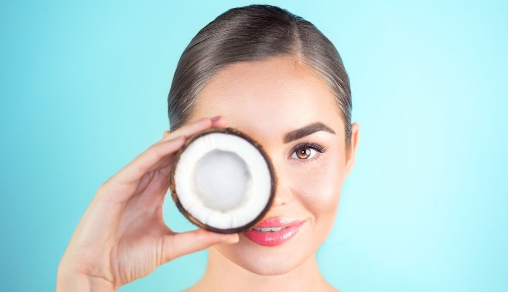 Coconut Oil: Anti-Aging and Beauty Benefits For The Skin