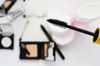 fly eco-beauty with eco-friendly cosmetics [longevity live]