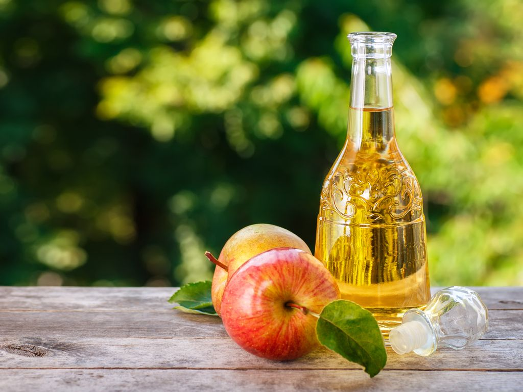 Apple Cider Vinegar: Anti-Aging and Beauty Benefits For Skin