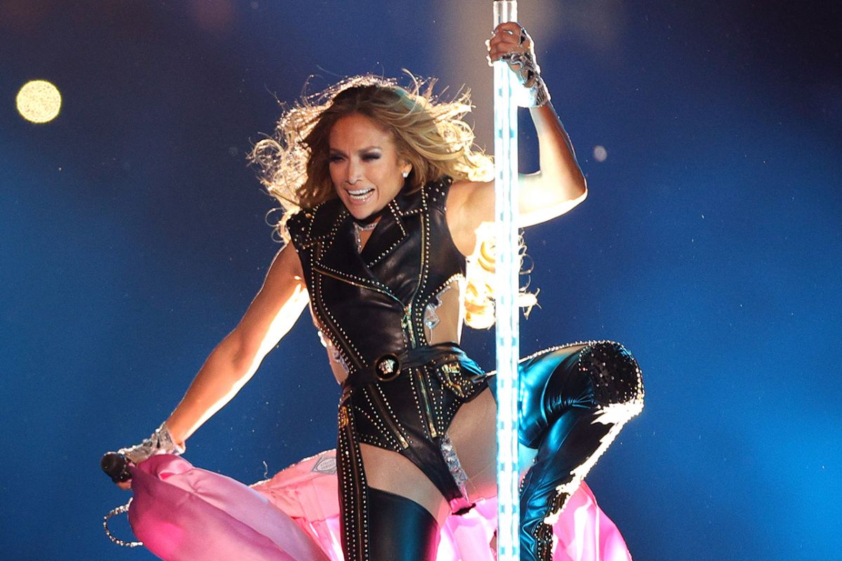 Glow, Stay Young And Fit Like J-Lo At The Superbowl