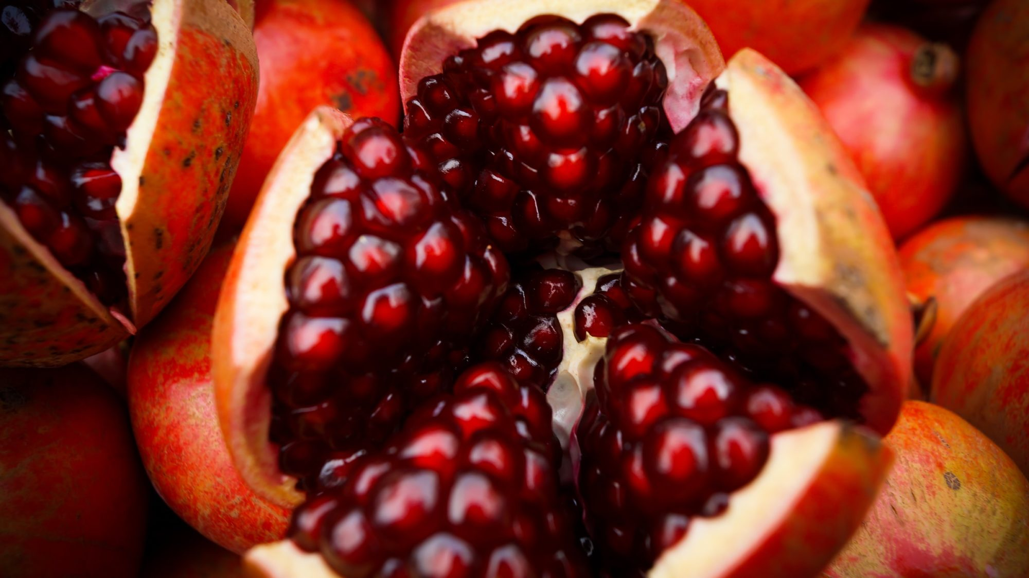The 5 Best Anti-Aging Fruits For Your Skin and Health
