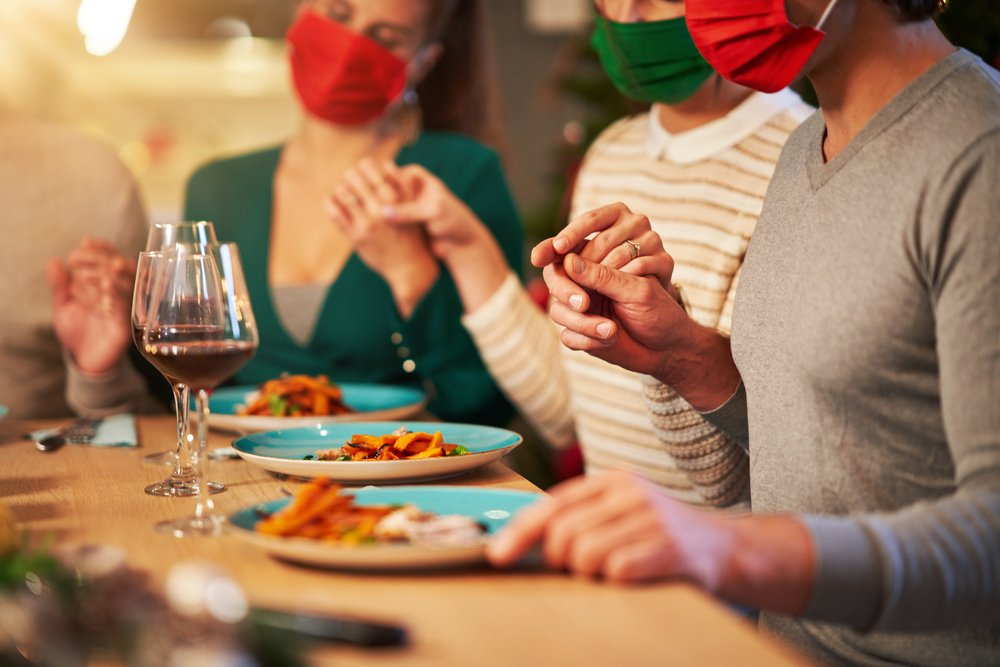 Here's How To Safely Celebrate Thanksgiving In A Pandemic