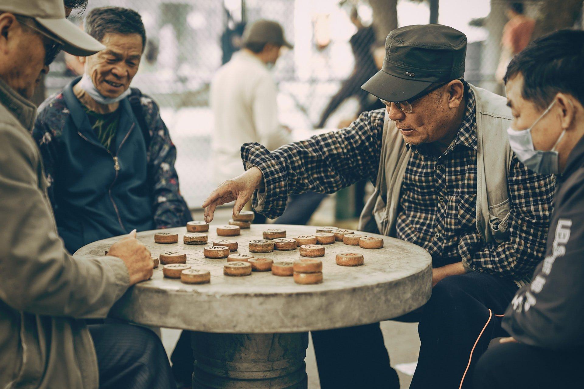 4 Brain Activities for Seniors With Dementia