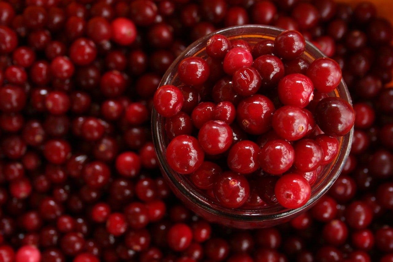 Should Women Drink More Cranberry Juice?
